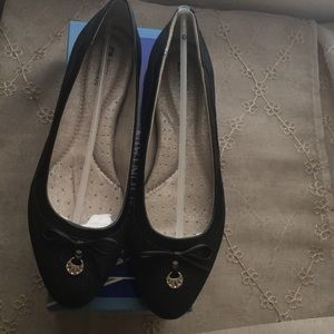 Black/Glitter flats with silver accents on bow